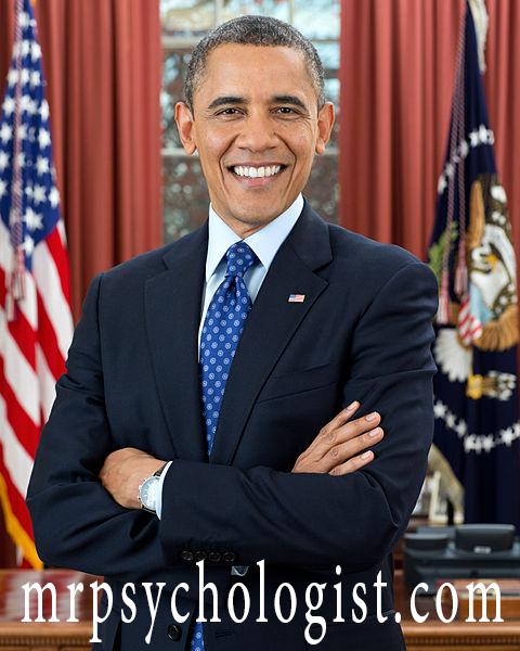 باراک اوباما همیشه کت و شلوار خاکستری یا آبی به تن میکند