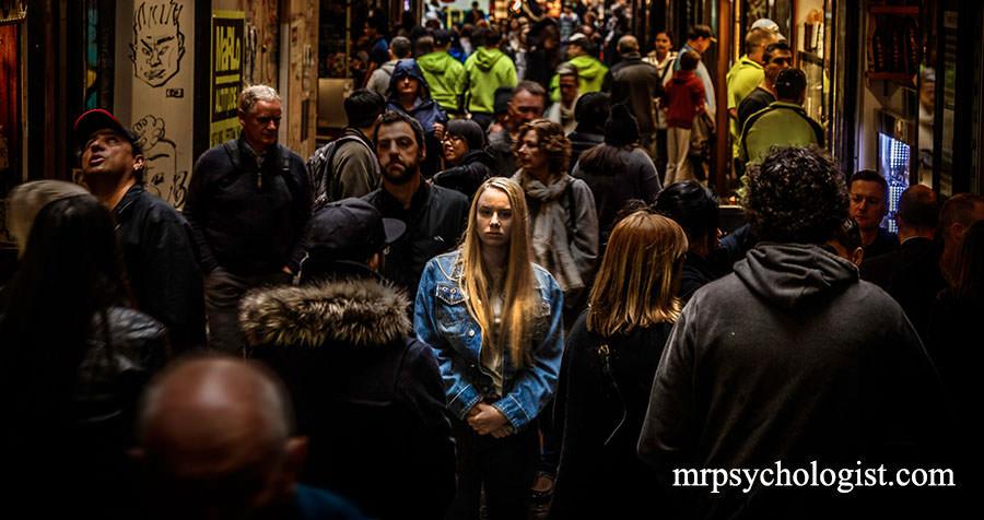 آگورافوبیا (Agoraphobia) یا ترس از مکانهای باز