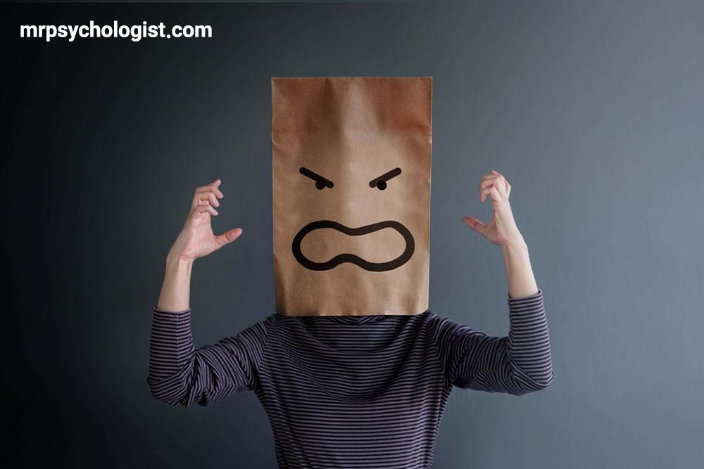آیا مردان بیشتر از زنان عصبانی میشوند؟