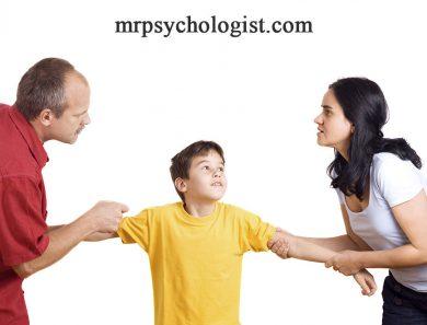 پس از طلاق کودکان را بازیچه و اهرم فشار بر طرف مقابل نکنید