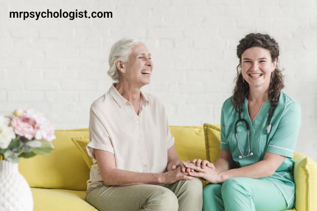 مزایای خانه سالمندان؛ چگونه یک خانه سالمندان خوب انتخاب کنیم؟