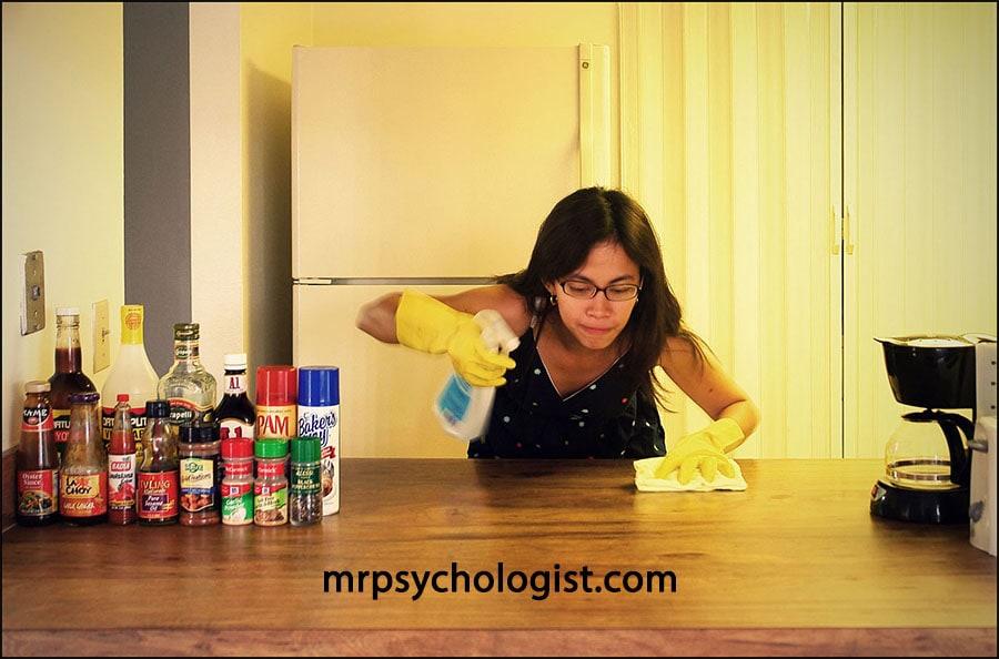 وسواس شستوشو و مرتب کردن در اختلال وسواسی اجباری OCD