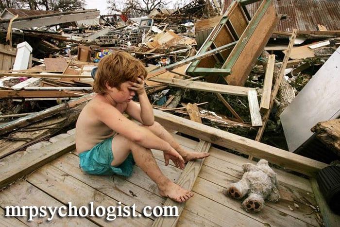 نشانهها و معیارهای DSM 5 برای اختلال استرس پس از سانحه PTSD در کودکان ۶ ساله یا کمتر
