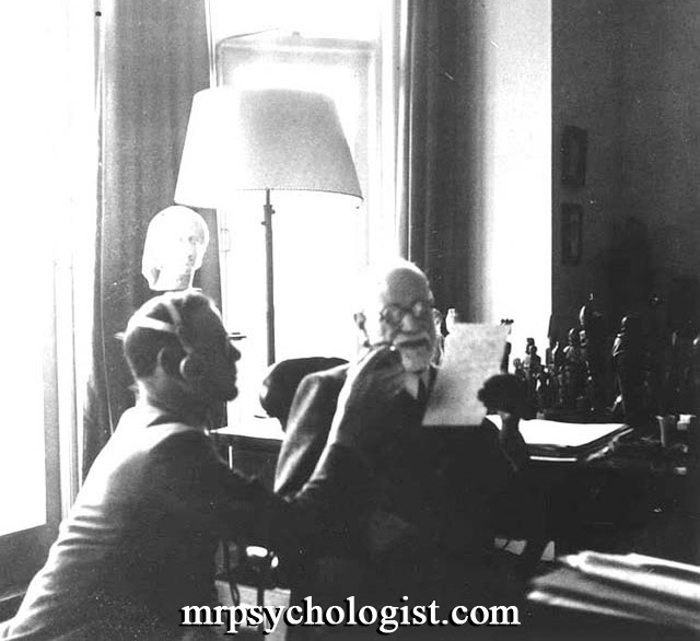 فایل صوتی مصاحبهی بی بی سی با زیگموند فروید، پدر روانکاوی در ۲۳ سپتامبر ۱۹۳۹