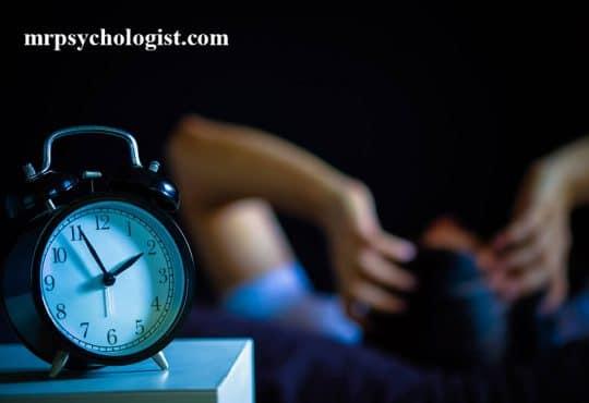 اختلال بیخوابی چیست؟ راهکارهای درمان بی خوابی